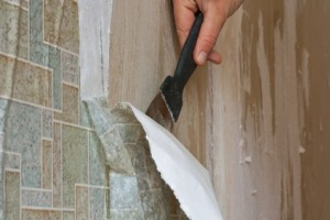 Wallpaper removal contractor